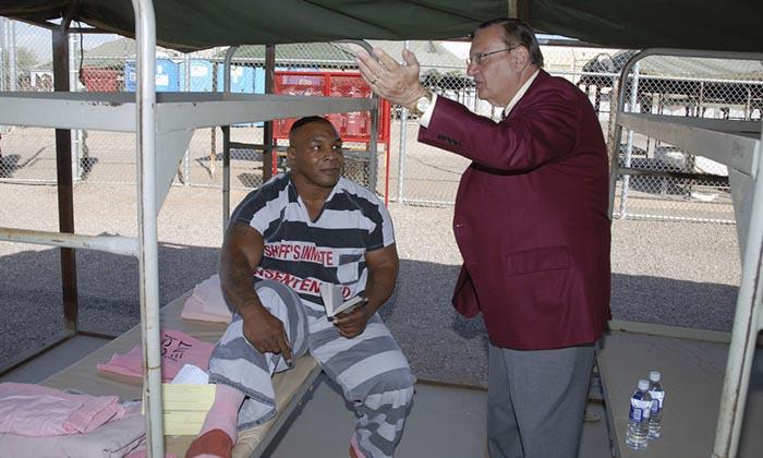 Как Майк Тайсон решал конфликты в тюрьме?