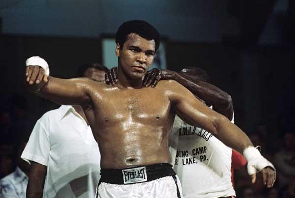 Мухаммед Али: легендарный боксер эпохи.