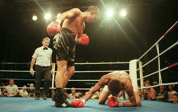 Как Костя Цзю ушел с ринга, опасаясь фанатов соперника.